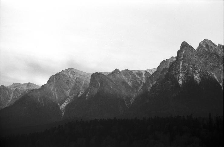 Snowed peaks I